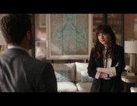 Christian Grey pregunta a Anna Steele por el cambio de apellido en este clip de 'Cincuenta sombras liberadas'