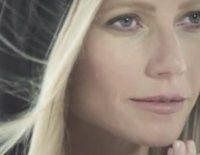 Gwyneth Paltrow detás de mas cámaras para Max Factor