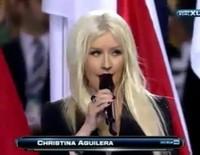 Christina Aguilera interpreta el himno de los Estados Unidos en la Super Bowl de 2011