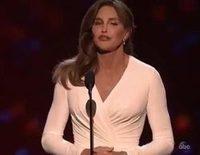 Caitlyn Jenner recibe un emotivo premio en los ESPYS 2015